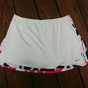Nike skort woman size medium
